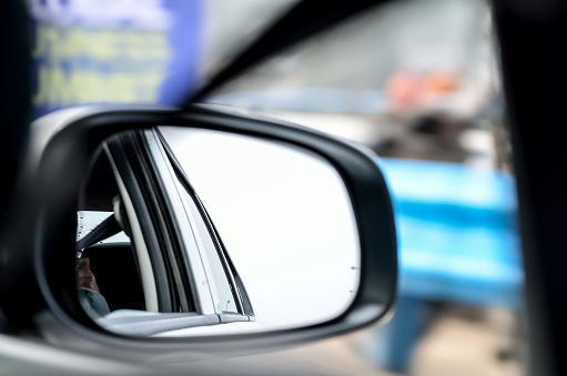 Auto-System-inscriptionare-si-scurizare-oglinzi-auto